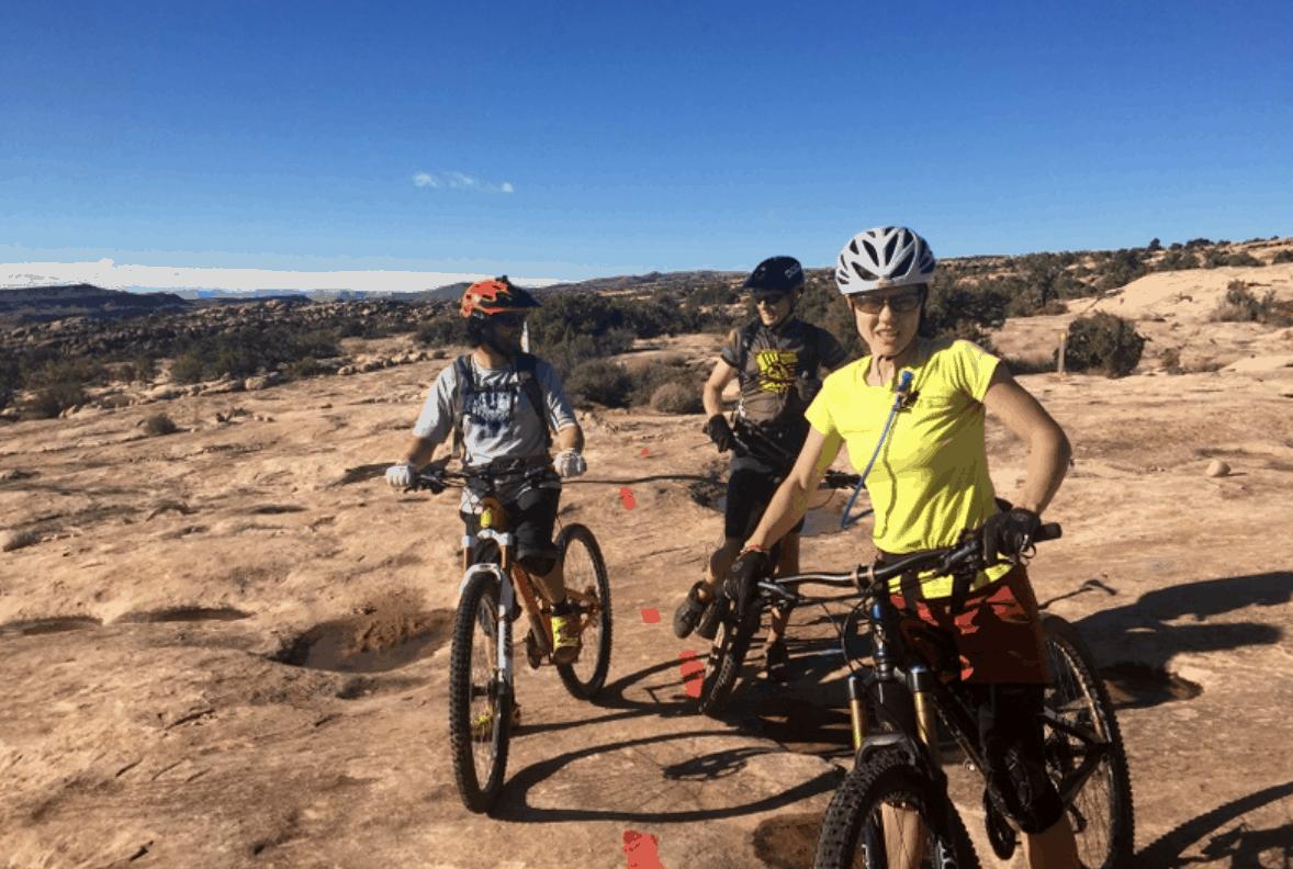 Downhill Mountain Biking With Dropper Seats